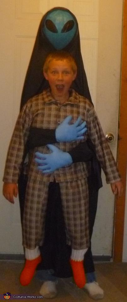 Udklædning til Fastelavn - Sjove kostumer - Åh nej, jeg er fanget af en Alien, smart kostume