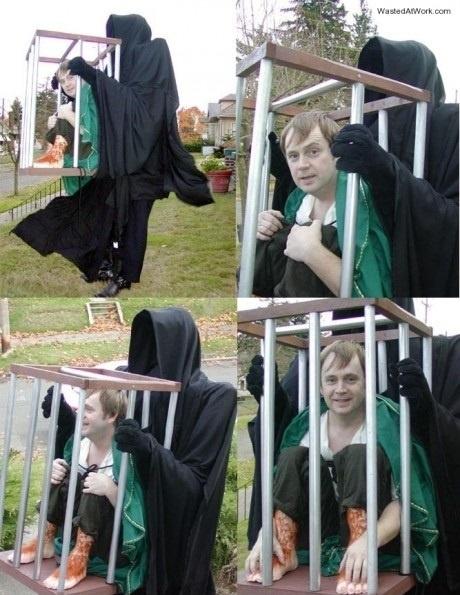 Udklædning til Fastelavn - Sjove kostumer - Mand i bur, ekstra langt kostume, og ind i det og ud med hovedet, resten er udklædning !