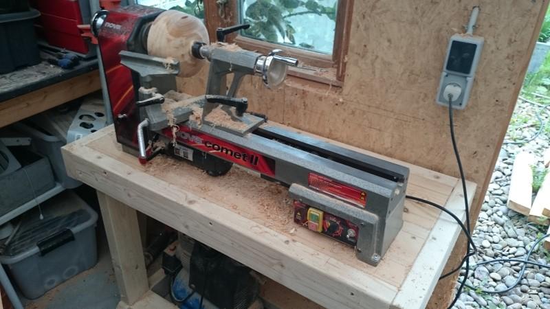 Et hjemmelavet arbejdsbord, tilpasset opgaven, at have min nye trædrejebænk 'boende', Nova Comet II