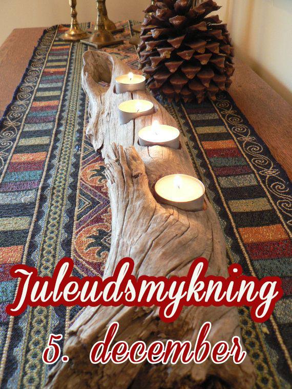 Byg en hjemmelavet jule borddekoration af hjemmebragt drivtømmer