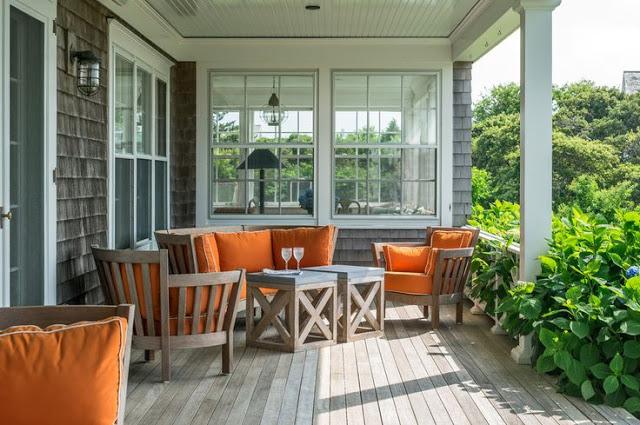 Byg et nemt havebord i træ og med en bordplade af en haveflise