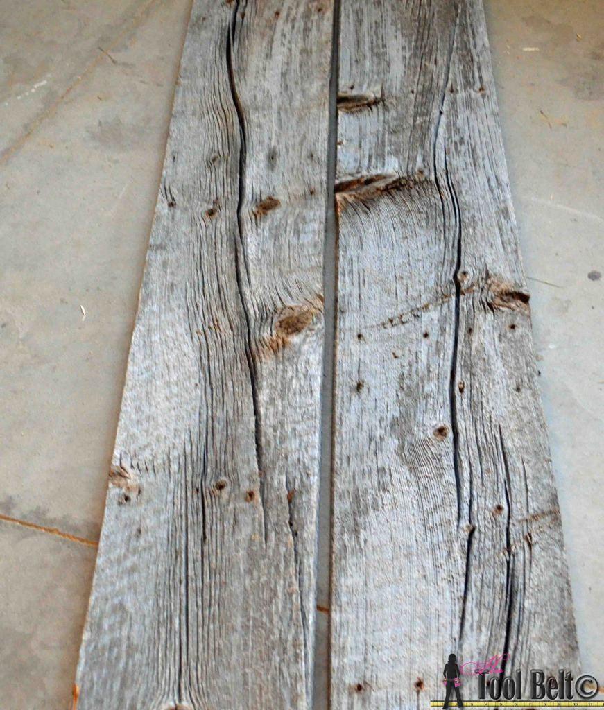 Hjemmelavet juletræ, af havens gamle træ rester