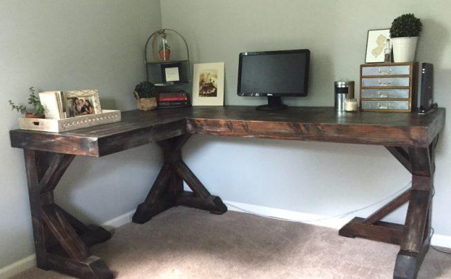 Byg et hjørnebord i træ